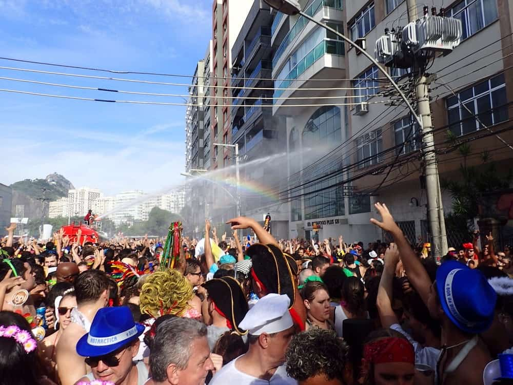 The water canon and a rainbow