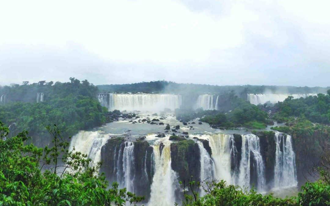 Argentina v Brazil: The Battle of Iguazu/Iguaçu Falls