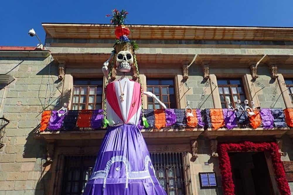 skeleton-with-dress