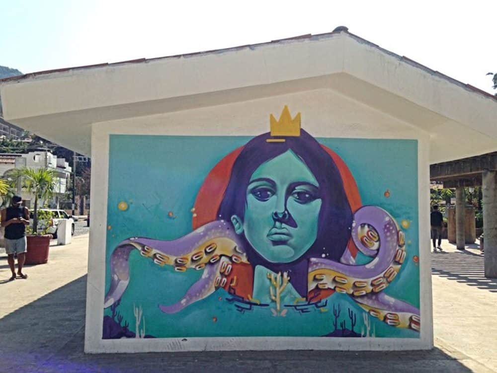 woman with crown mural
