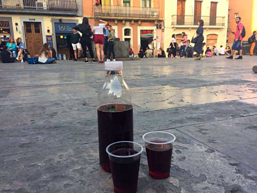 Cheap Wine in Placa del Sol