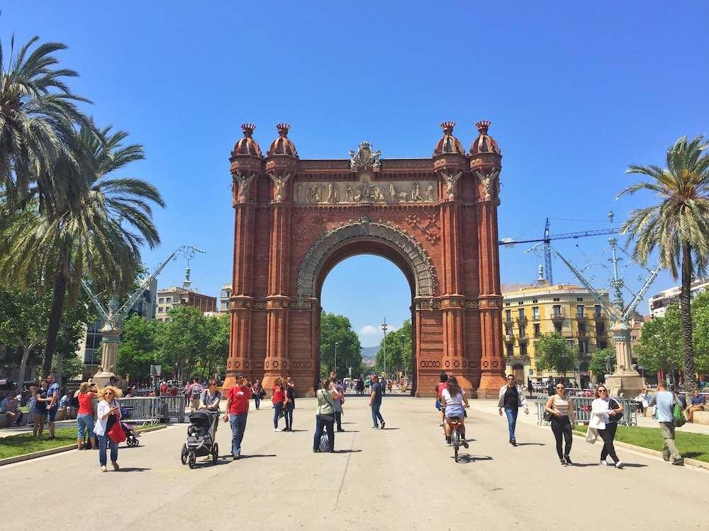 Arc de Triomf Barcelona hacks
