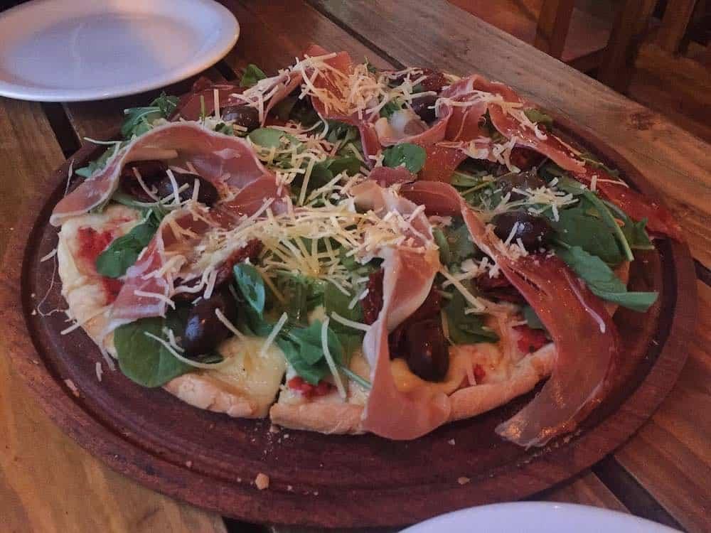 Pizza in Stradibar Bariloche
