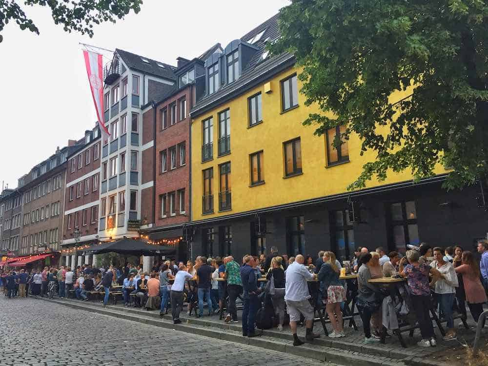 longest bar in the world dusseldorf Germany