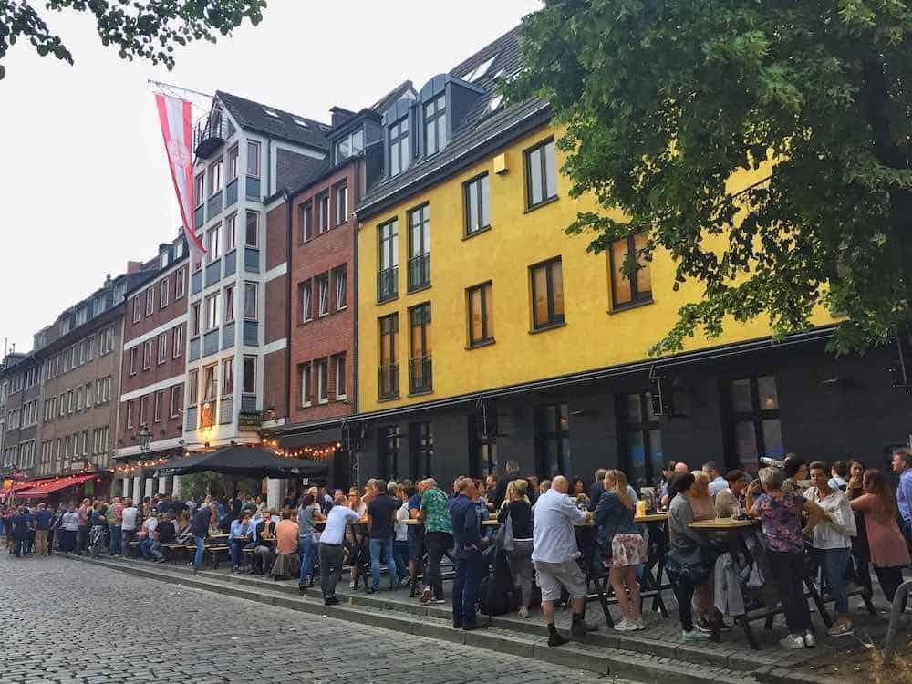 longest bar in the world dusseldorf Germany
