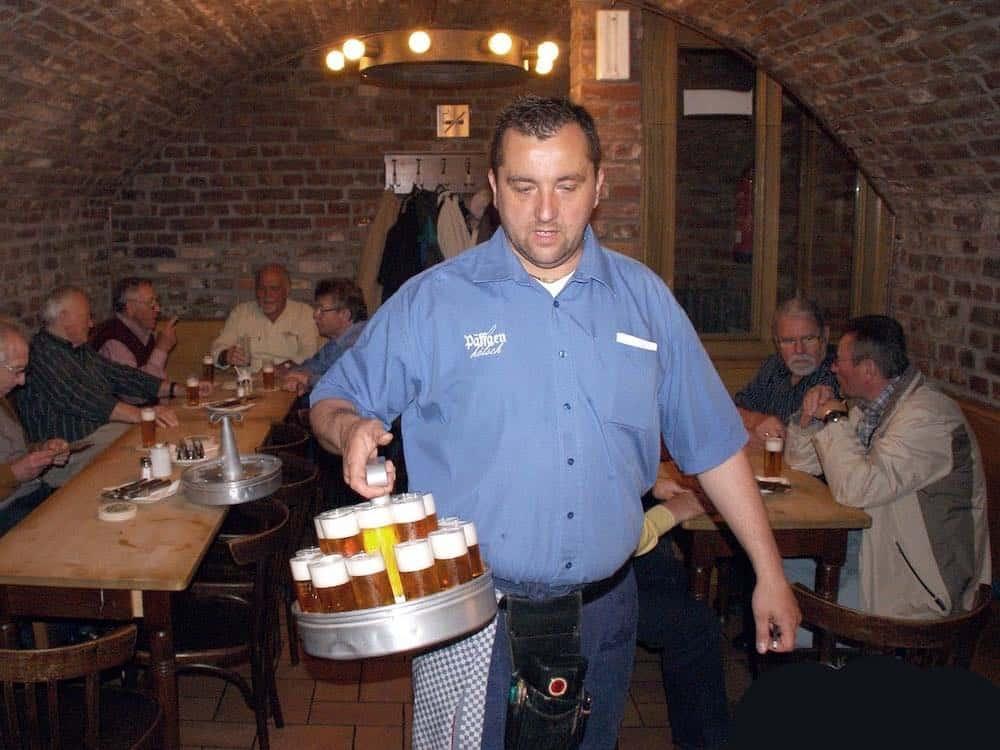 köbes waiter dusseldorf
