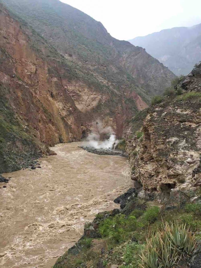 Geiser de Paclla Colca Canyon Peru