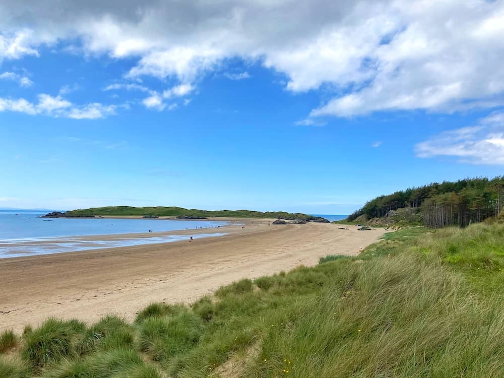 places to stay in anglesey by the beach